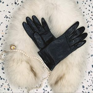 Neiman Marcus black leather cashmere lined gloves